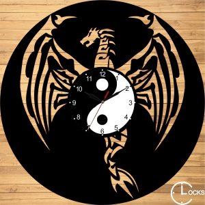 Ceas de perete din lemn negru Dragon Clocks Design