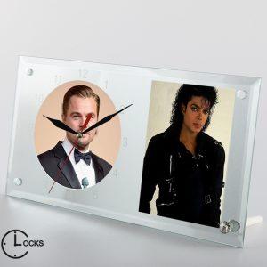 Ceas din sticla cu 2 mari celebritati clocksdesign.ro